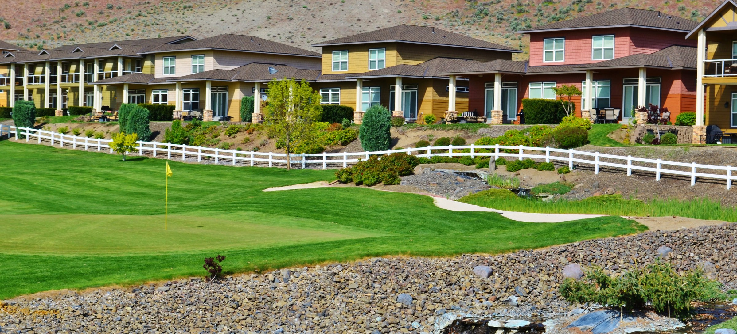 golf-course-homes